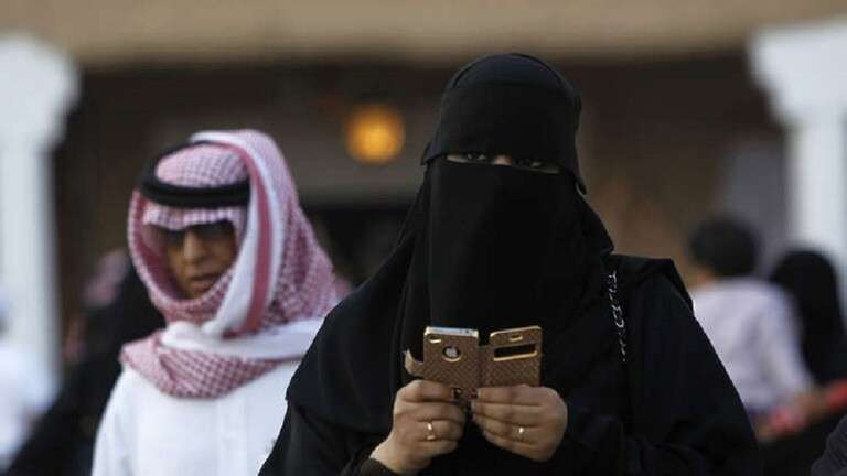 شرطة الشرقية تلقي القبض على صاحب فيديو التحرش بالسعودية