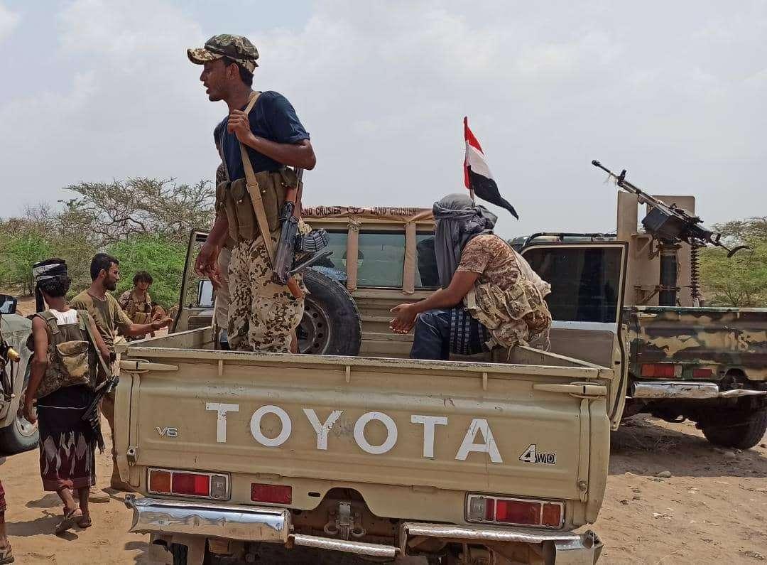 إندلاع اشتباكات شرسة في حيس.. القوات المشتركة تخمد نيران الحوثيين
