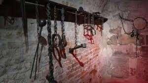 منها التعرية.. كشف أنماط وأشكال ووسائل التنكيل والتعذيب في سجون الحوثي