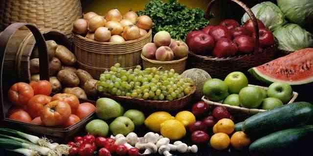 البطاطس يسجل 600.. تعرف على أسعار الخضروات والفواكه اليوم الأربعاء
